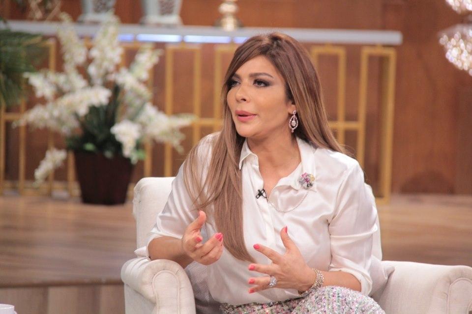 فيديو أصالة تعلق على  بلوك  أحلام لها مع منى الشاذلي:  ماسكة نفسي عن الرد  - مجلة هي