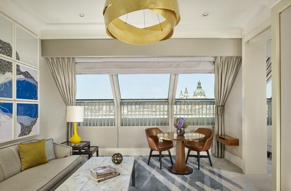 فندق ريتز كارلتون، بودابست The Ritz-Carlton, Budapest