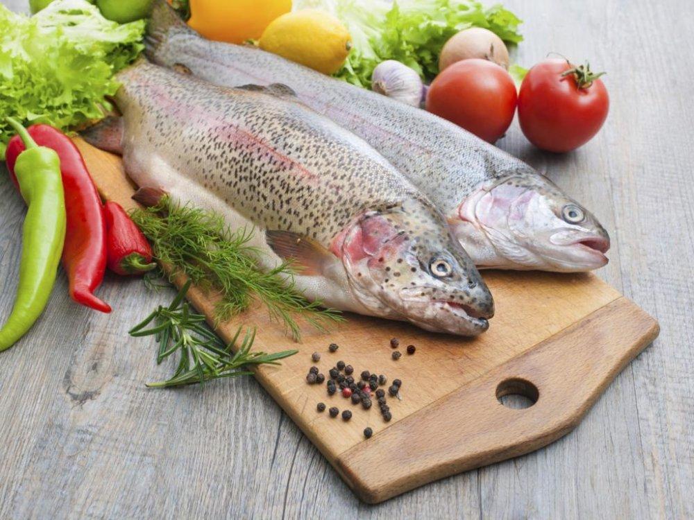 للسمك دور كبير في بناء العضلات و حرق الدهون بفاعلية.