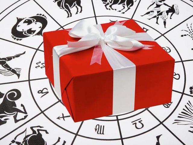 هدايا حسب برجك - مجلة هي