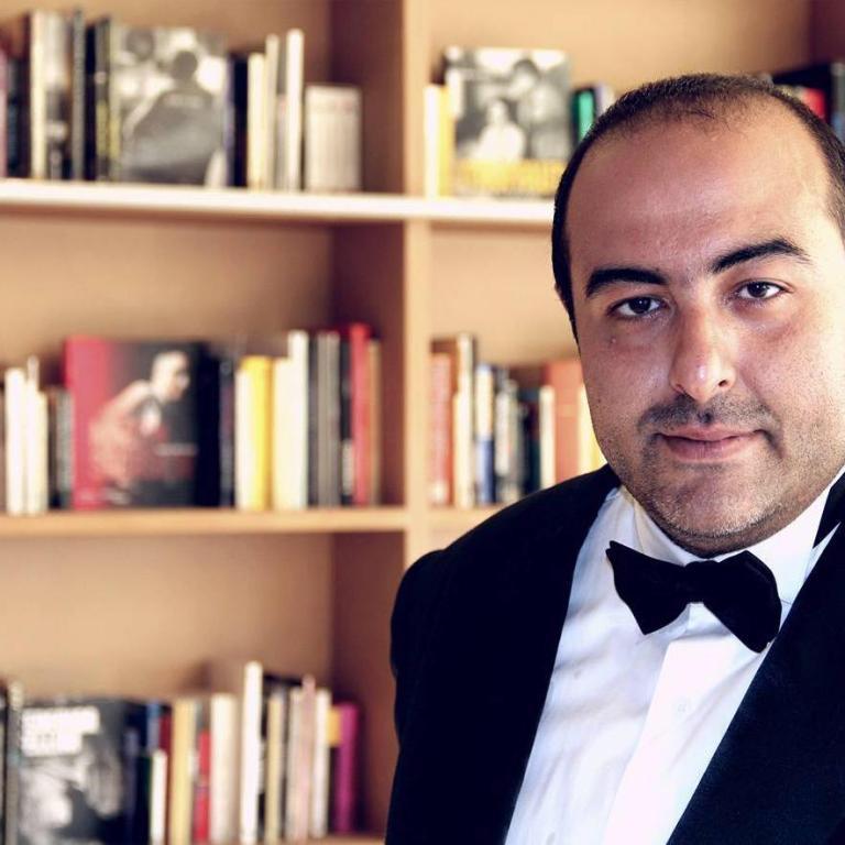 أول قرار من محمد هنيدي بعد حبس مخرج مسلسله الجديد! - مجلة هي