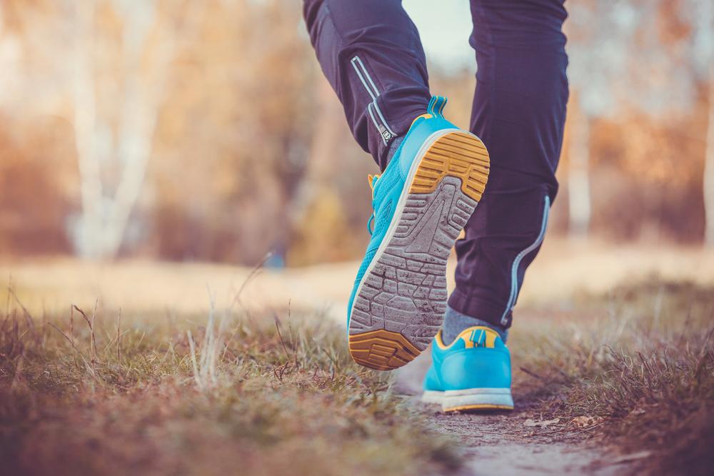 طرق فعالة وبسيطة تشجع الاباء على ممارسة المشي للتخلص من الكرش