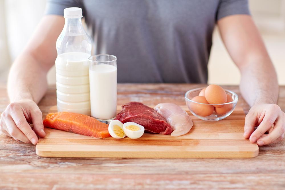 طرق فعالة وبسيطة تلزم الاباء بتناول البروتينات الخالية من الدهون للتخلص من الكرش