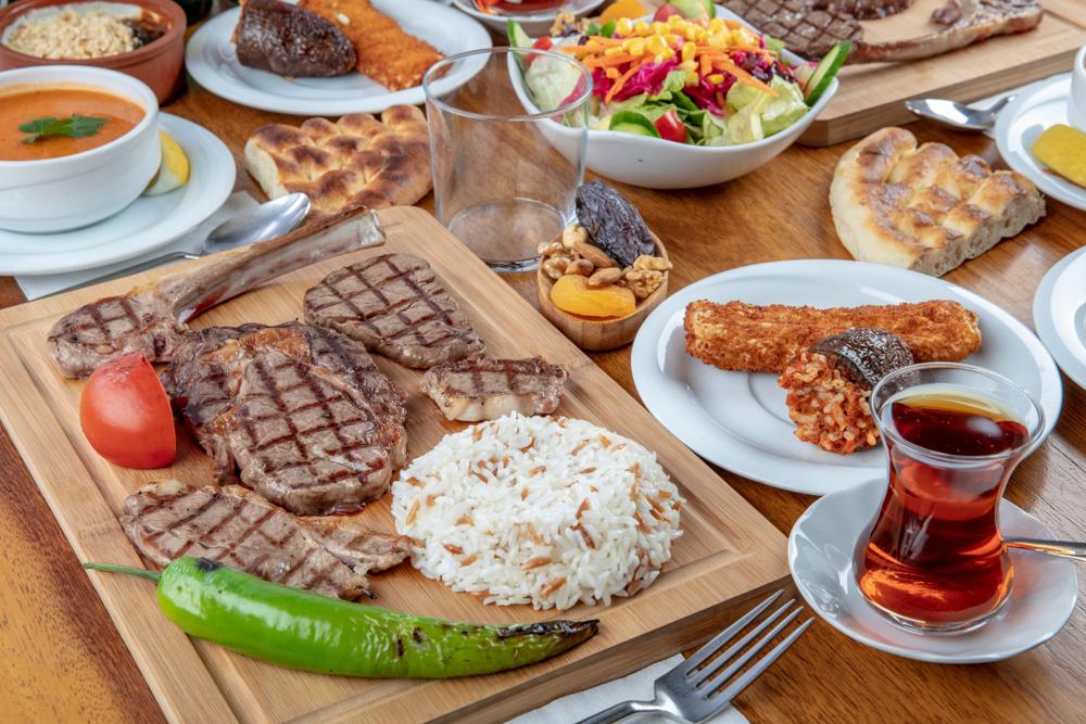 مشروبات صحية للتخلص من الدهون بعد تناول لحم العيد