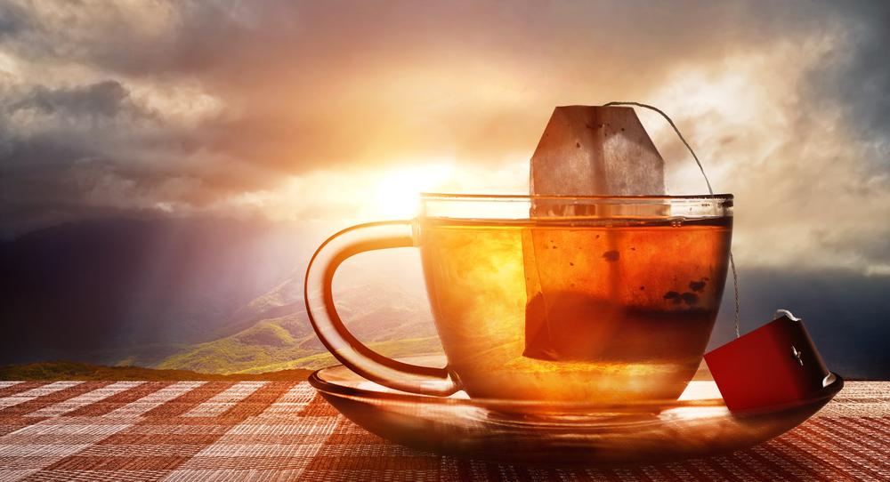 مشروبات صحية للتخلص من الدهون بعد تناول لحم العيد يتضمنها الشاي الاحمر