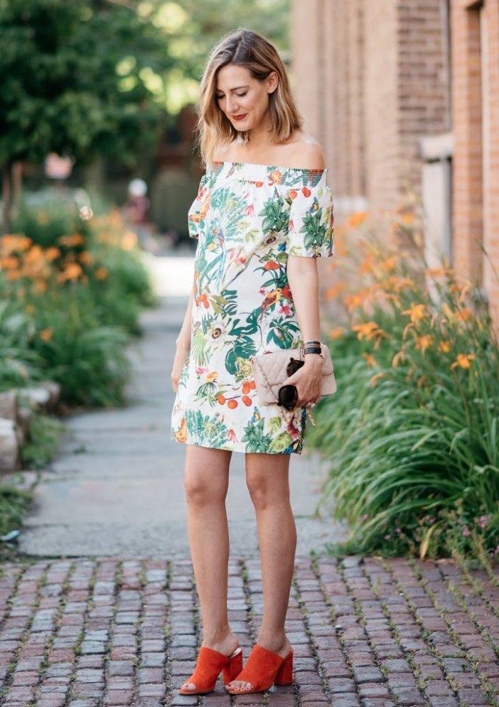 اطلالات أنثوية ناعمة في الفساتين القصيرة المعرق