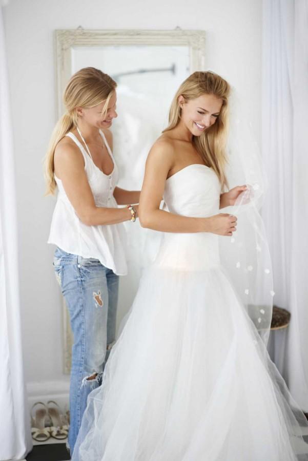 9fbf76121 نصائح هامة قبل البدء بتفصيل فستان الزفاف - مجلة هي