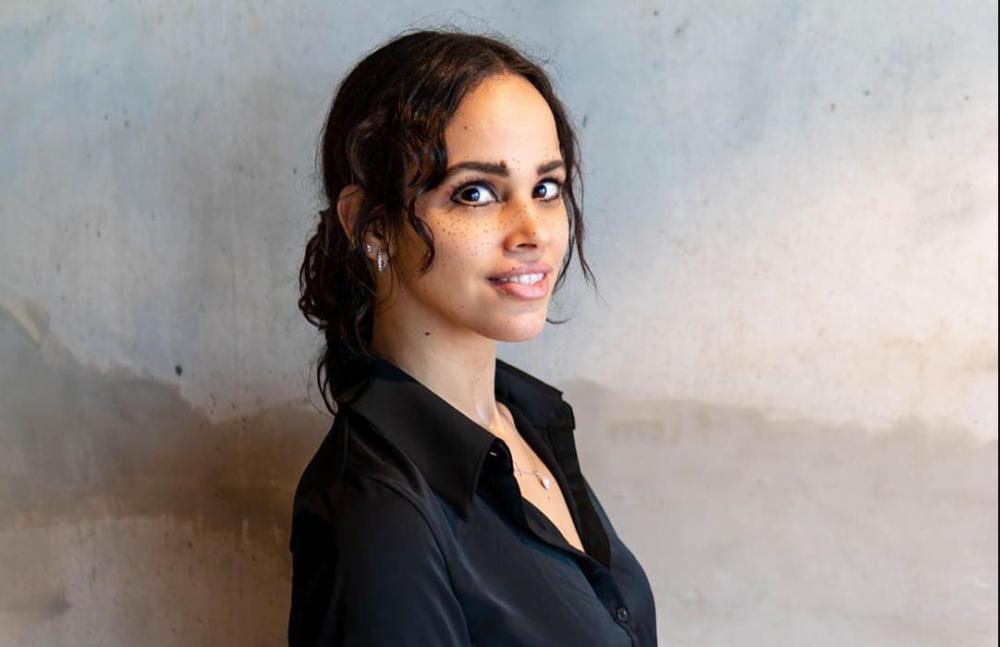 السعودية برس بعد سنوات من مقاطعة السوشيال ميديا ابنة عمرو دياب نور تتحول إلى فاشينستا