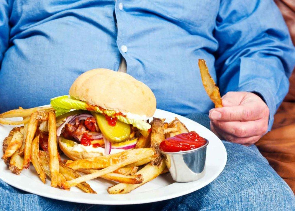 الأطعمة المقلية بجميع أنواعها بما في ذلك اللحوم والدجاج وحتى الخضر المقلية