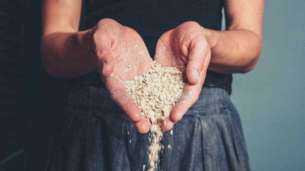 الشوفان غني بالالياف الغذائية و يمنح الشعور بالشبع