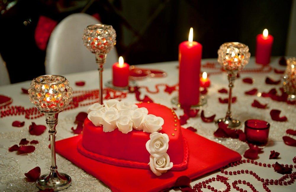 من أفكار للإحتفال بعيد الزواج في رمضان إعداد عشاء رومانسي