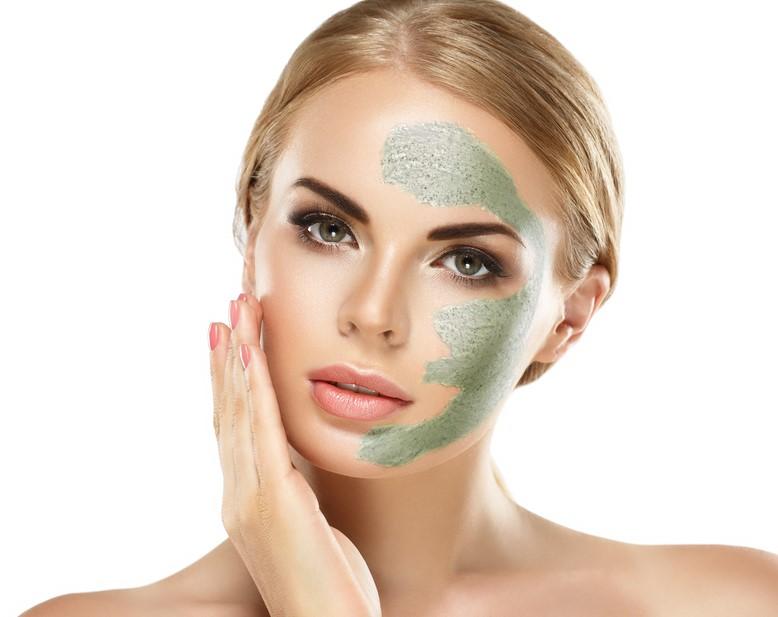 ماسك الطين الاخضر يطبق حسب تعليمات الخبراء المختصين لتفادي اضراره على البشرة الدهنية