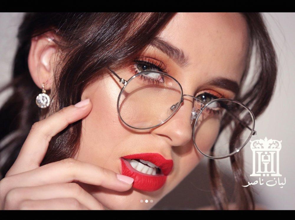 بالفيديو : طريقة سهلة لإبراز جمال العيون الصغيرة مع خبيرة التجميل ليان - مجلة هي