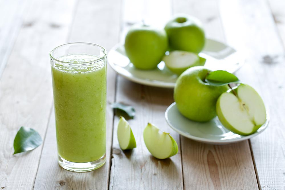 حرق الدهون في رمضان بشرب عصير التفاح الاخضر المفيد لذلك