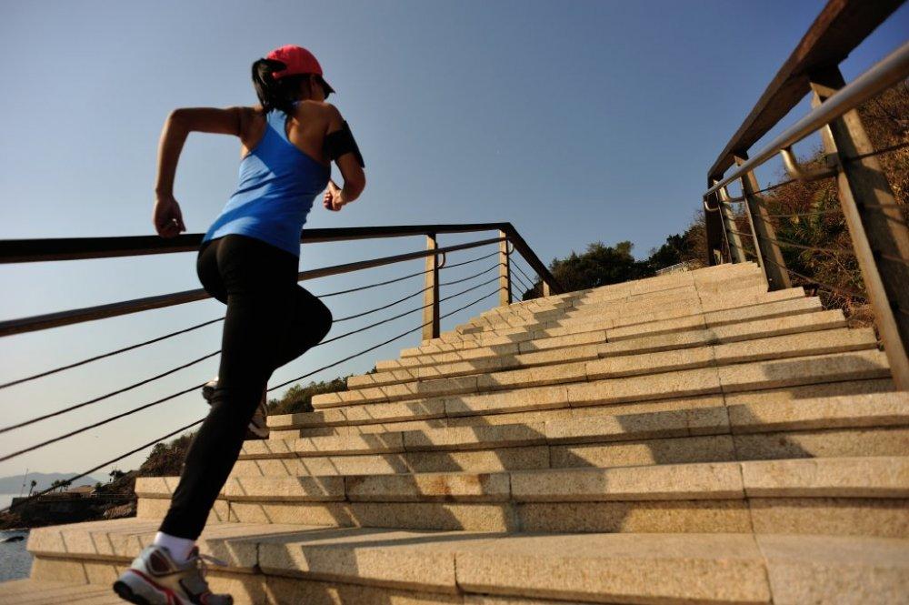 ممارسة الرياضة و الحركة لتقليص محيط الخصر