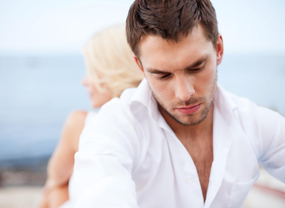 6 تصرفات للمرأة تضعف من حب الرجل لها - مجلة هي