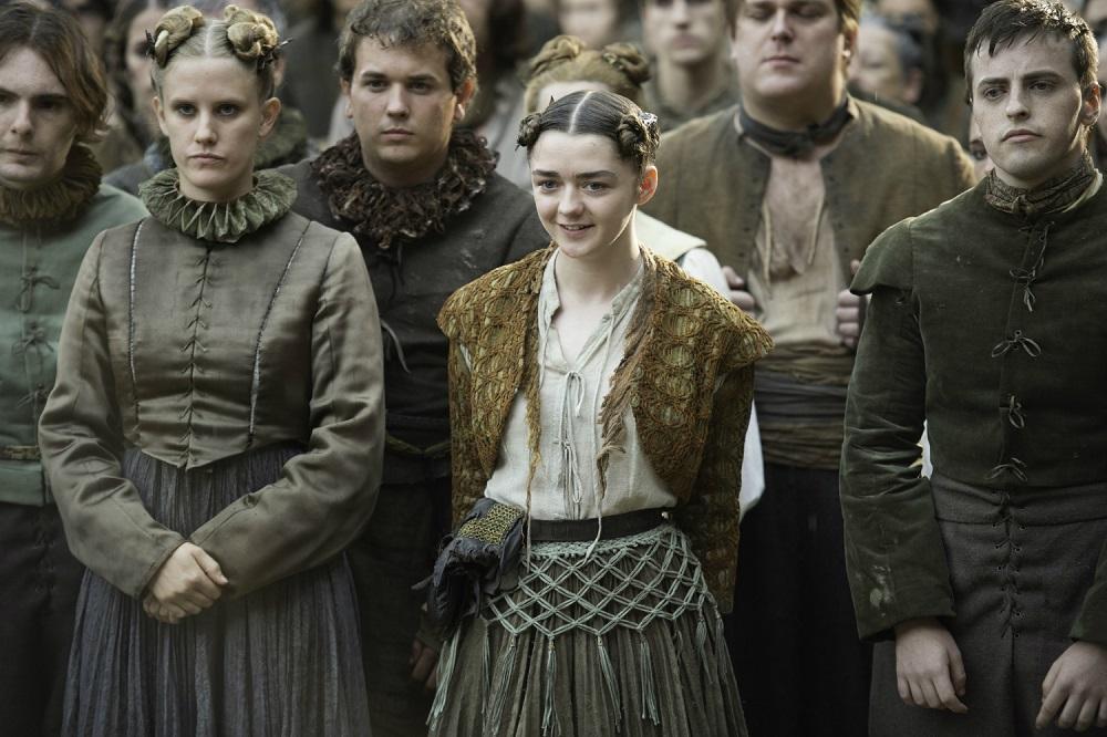 عاصفة من الانتقادات بسبب ظهور إيد شيران في الحلقة الأولى من Game Of Thrones - مجلة هي