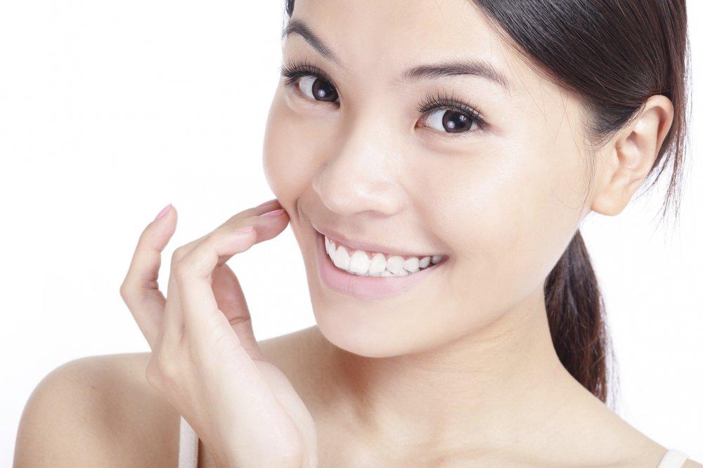 خلطات طبيعية لتبييض الاسنان من اول مرة في المنزل