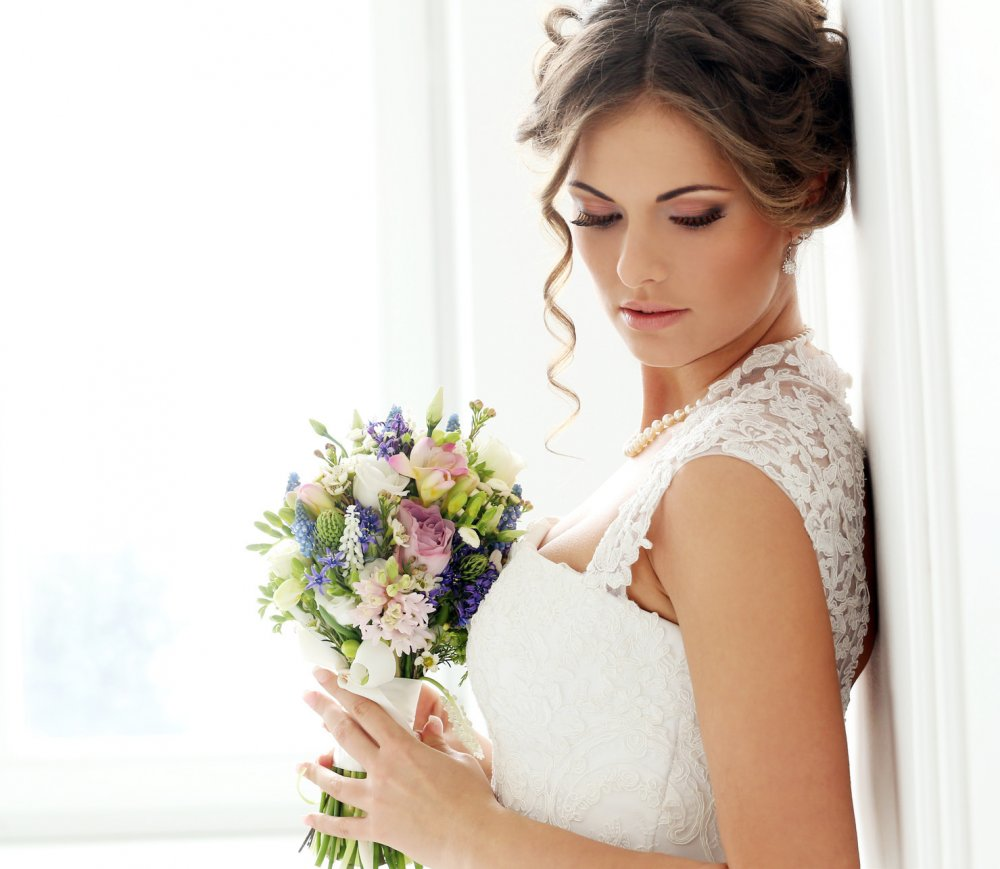 طريقة عمل مكياج وردي و فضي للعروس