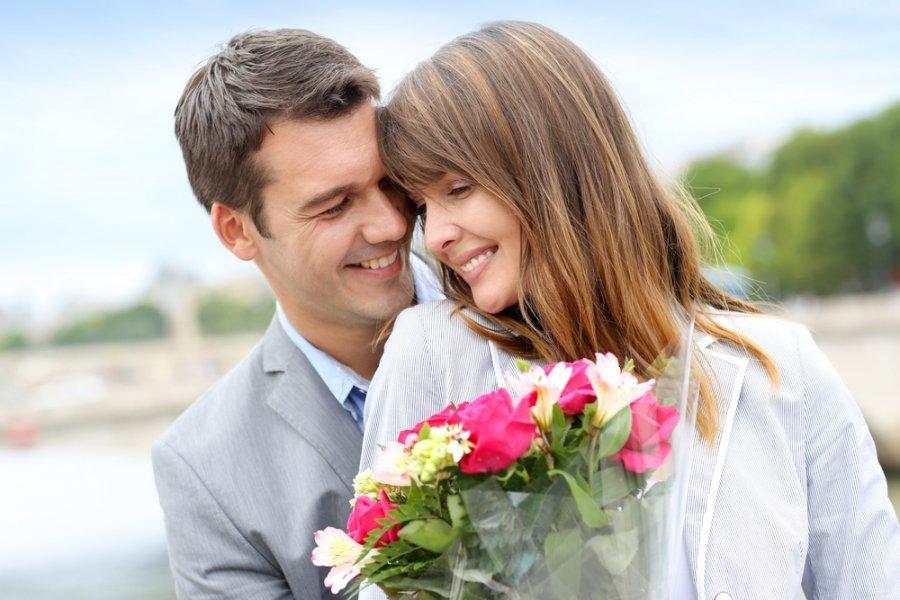 إيجابيات وسلبيات الزواج عن حب