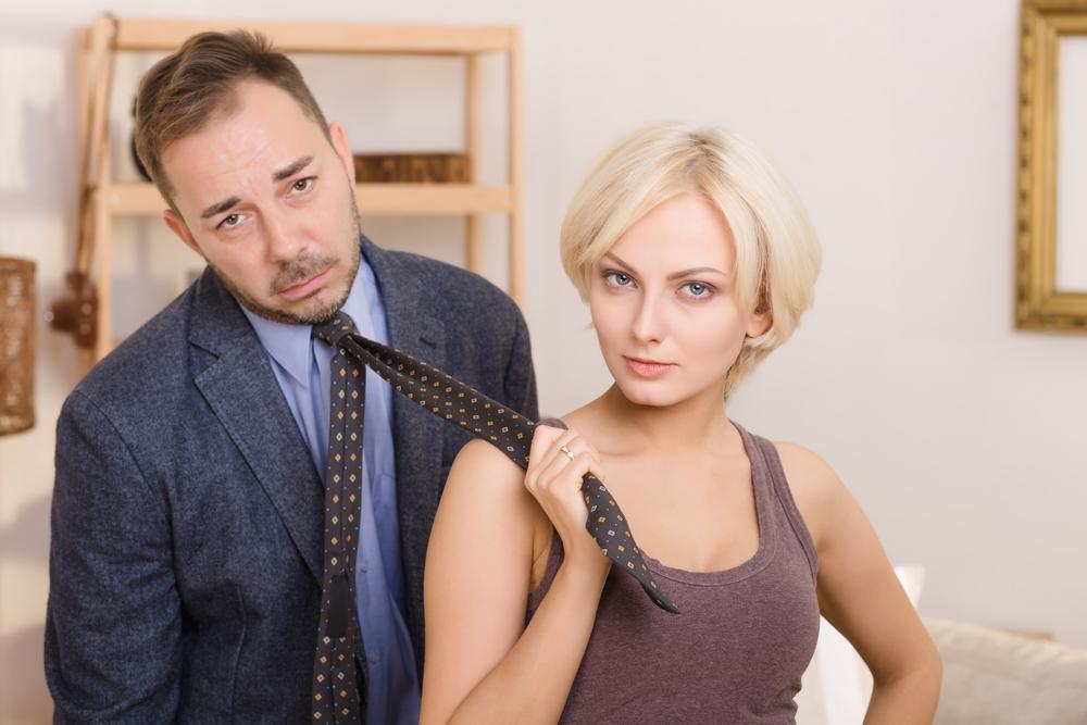 عدم التكافؤ بين الزوجين هو اساس غيرة الزوج من اهل الزوجة