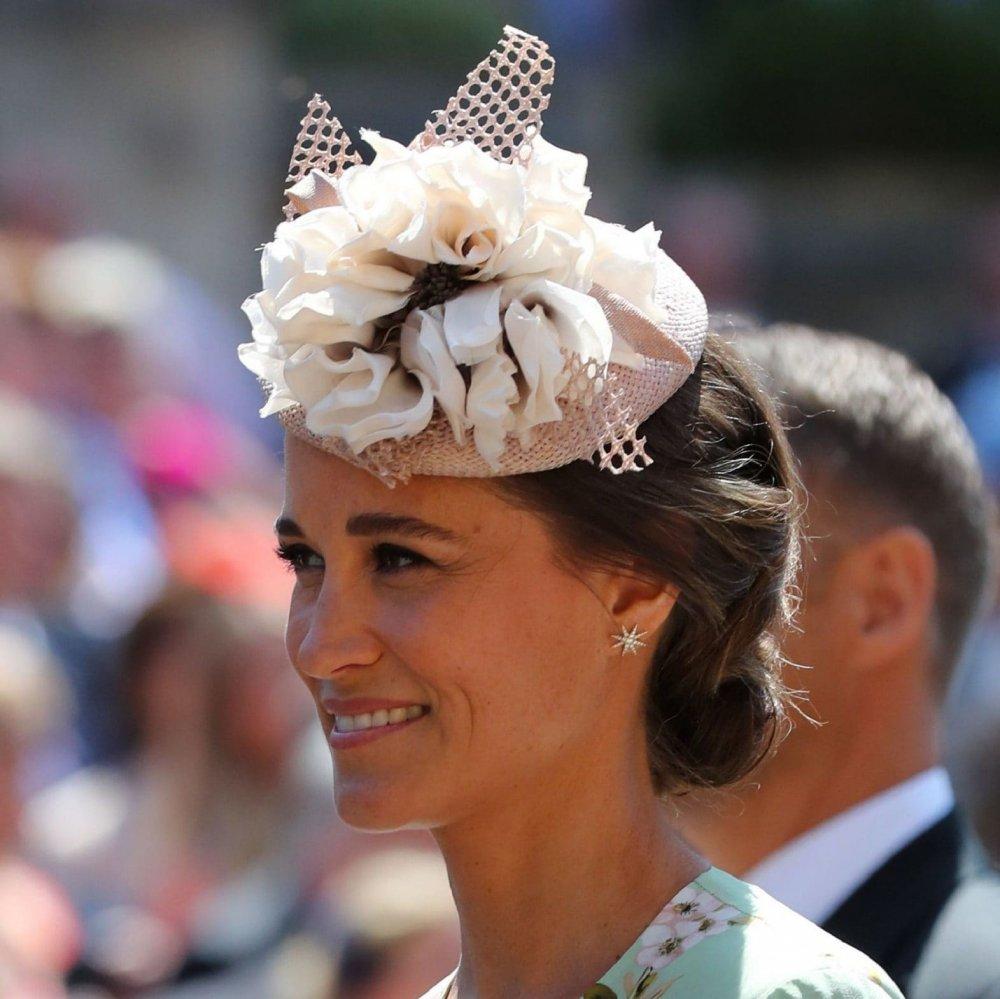 اجمل القبعات و المجوهرات في حفل الزفاف الملكي