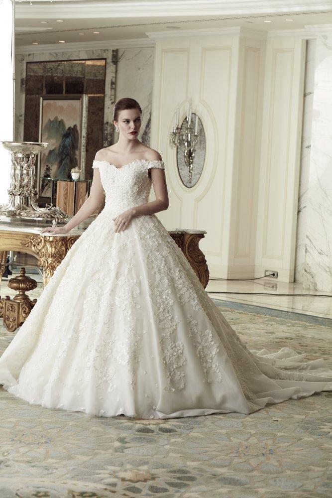 25d602b0c فساتين زفاف معرض عروس دبي 2018 - مجلة هي