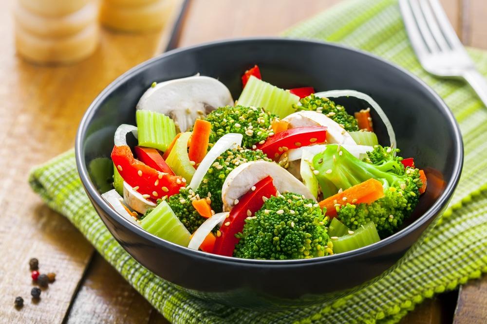 الخضروات اليئة تضر المعدة الفارغة