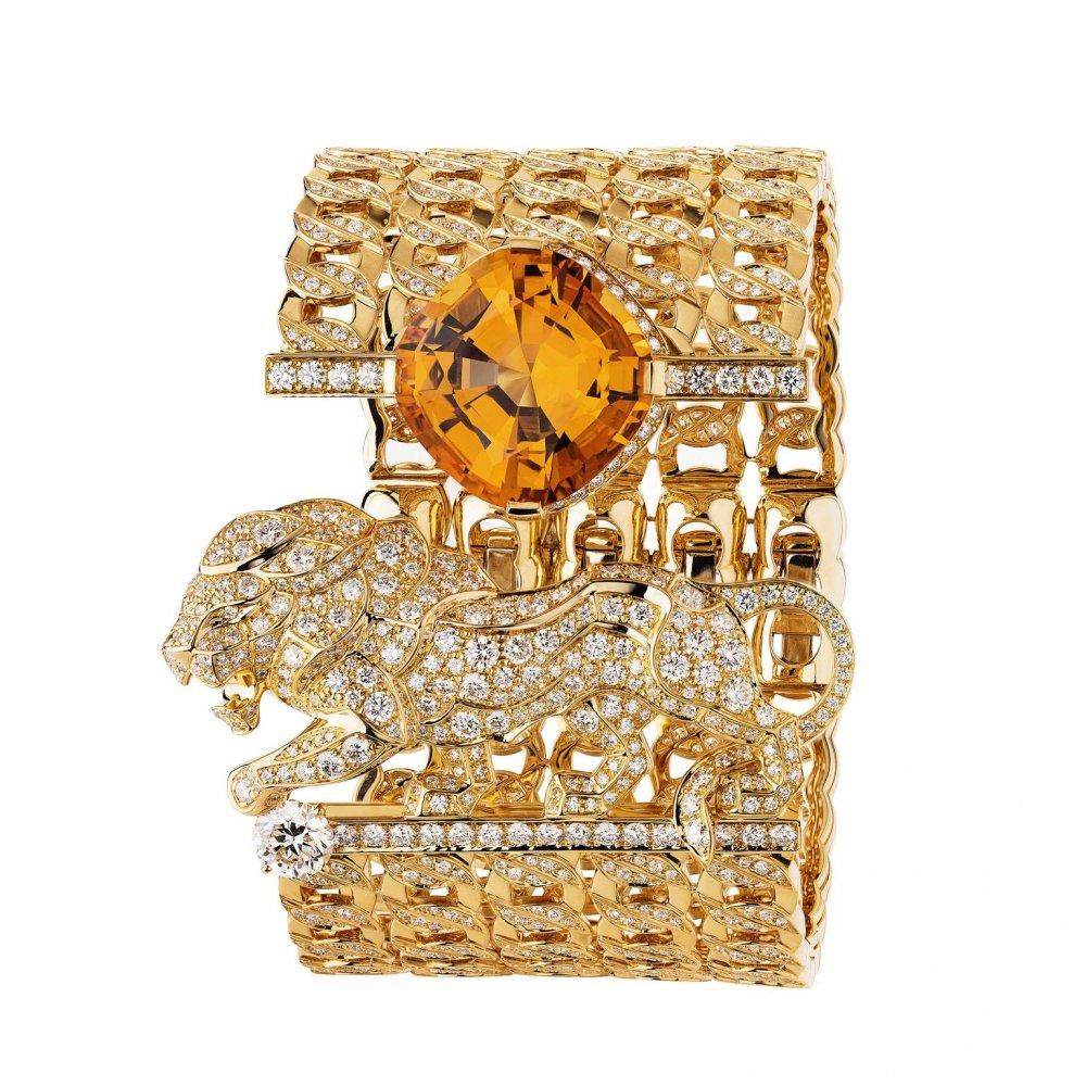 325916185f0cc أفخم مجوهرات ذهب لسهرات شتاء 2018 - مجلة هي