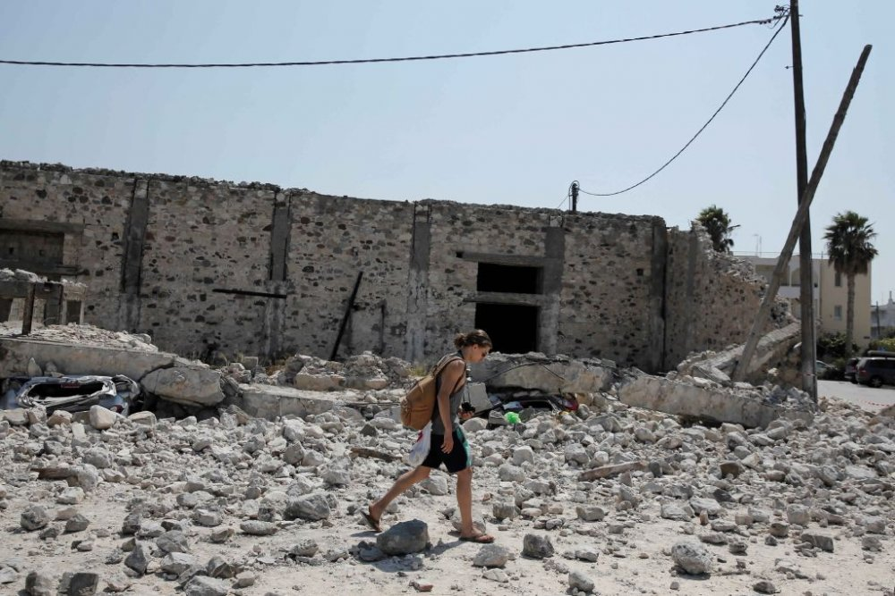 بالفيديو اللحظات الأولى لـ زلزال تركيا - مجلة هي