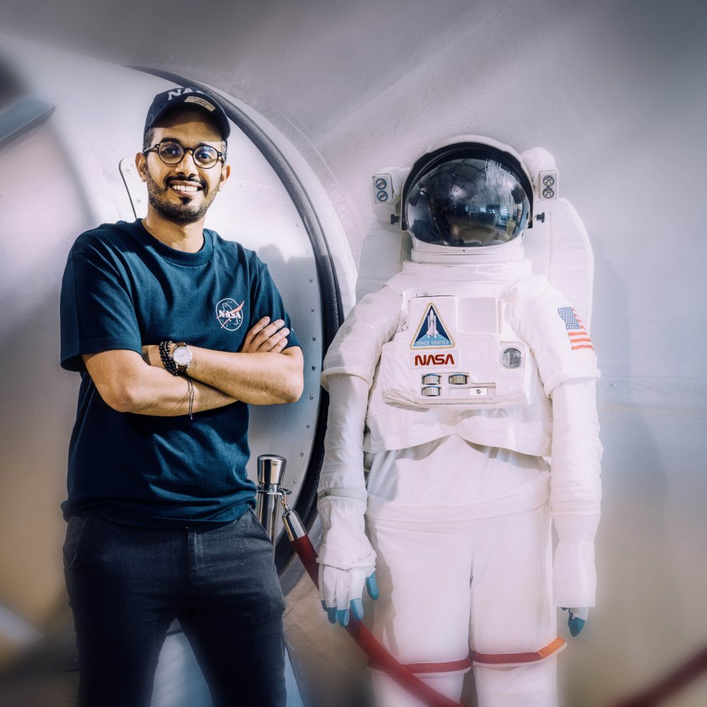 السعودي مشعل الشهراني ضمن فريق وكالة ناسا - مجلة هي