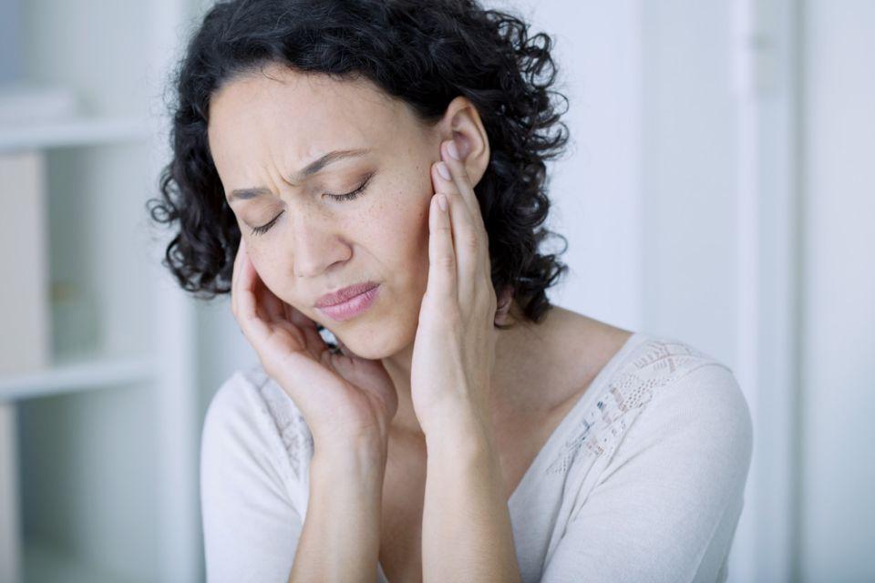 يعاني بعض المصابون بفيروس كورونا من الدوخة