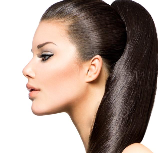 الفازلين الطبي لتصفيف جميع جدائل الشعر بالمسات البسيطة دون الافراط