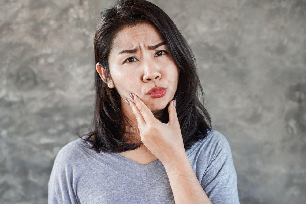 كورونا يسبب شلل في عضلات الوجه