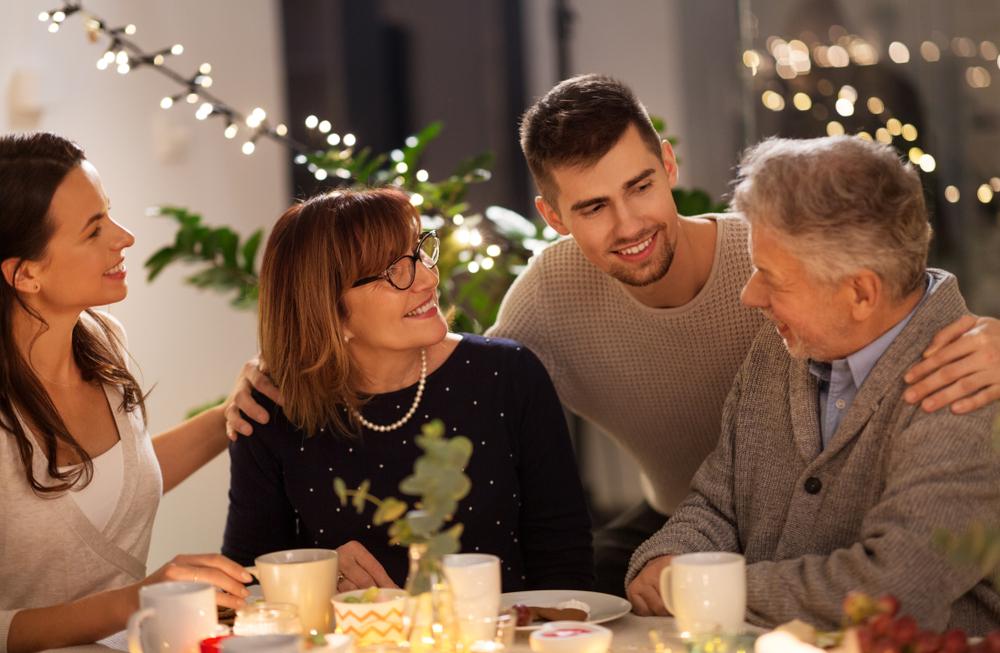 التعامل مع والد الزوجة من اساسيات الالعلاقات الزوجية القوية
