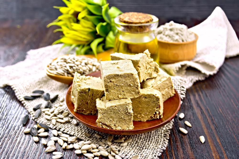 فوائد الحلاوة الطحينية متنوعة لتحسين الصحة وزياة الوزن في ان واحد