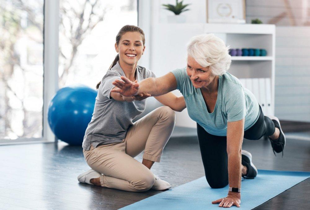 يساعد الانتظام في ممارسة التمارين الرياضية على تمكين الجسم من استهلاك السكر في الدم.