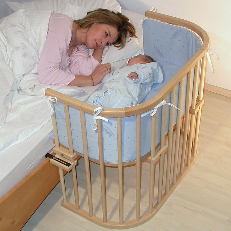 بعد الولادة يجب أن ينام الطفل في سريره في غرفة الأم