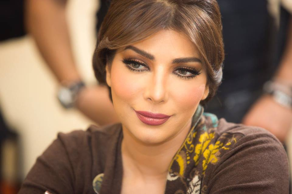 أصالة نصري تعلق وتنشر صورا لها بعد الإفراج عنها!