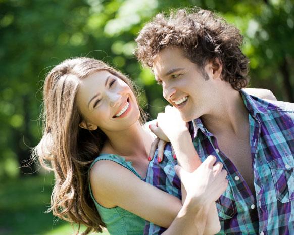 صفات الرجل الذي يحب بصدق وراء سعادة المرأة