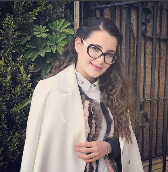 ابنة اصالة تحذف صورتها بالمكياج بعد الانتقادات..هل تبدو بدونه أجمل؟ - مجلة هي