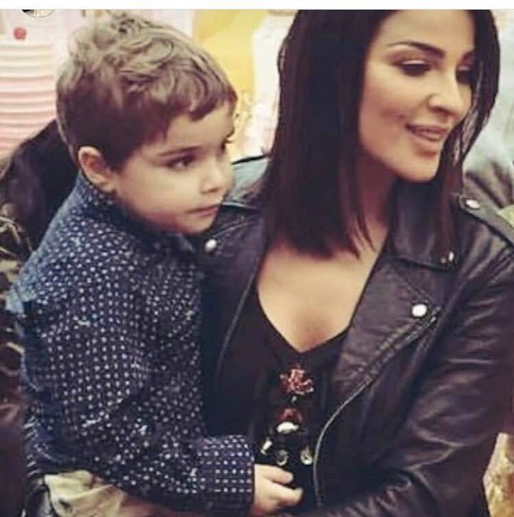 ابن نادين نسيب نجيم يخطف القلوب في عيد ميلاد شقيقته لشبهه الكبير بوالدته مجلة هي