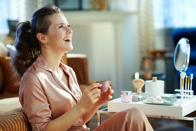 ما هي أهم إحتياجات المرأة بعد سن الأربعين