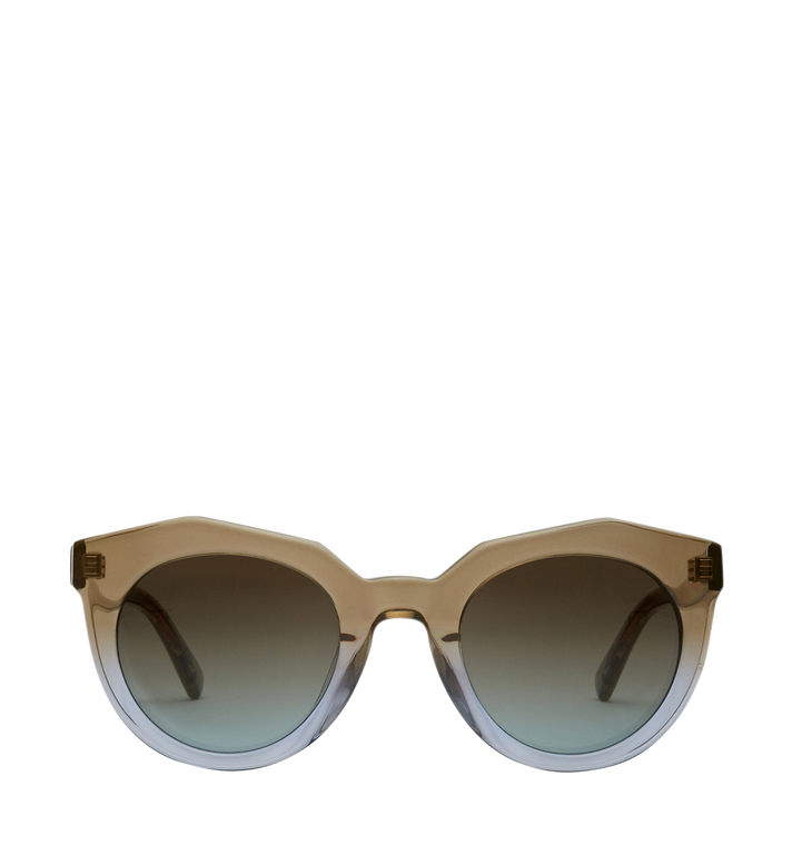 89ef761d3 أحدث أشكال نظارات شمسية من MCM لاطلالة أنيقة - مجلة هي