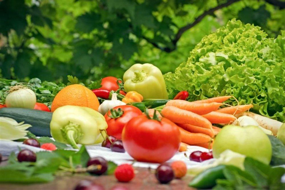 يمنع تناول الخضروات الورقية الداكنة ويفضل الطماطم والفلفل الرومي