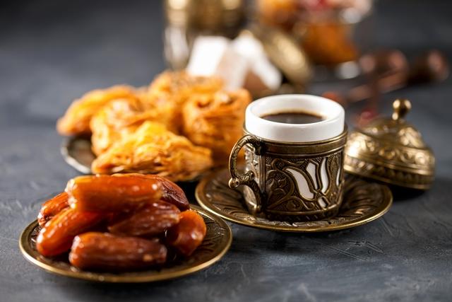أفضل وقت لتناول القهوة في رمضان - مجلة هي