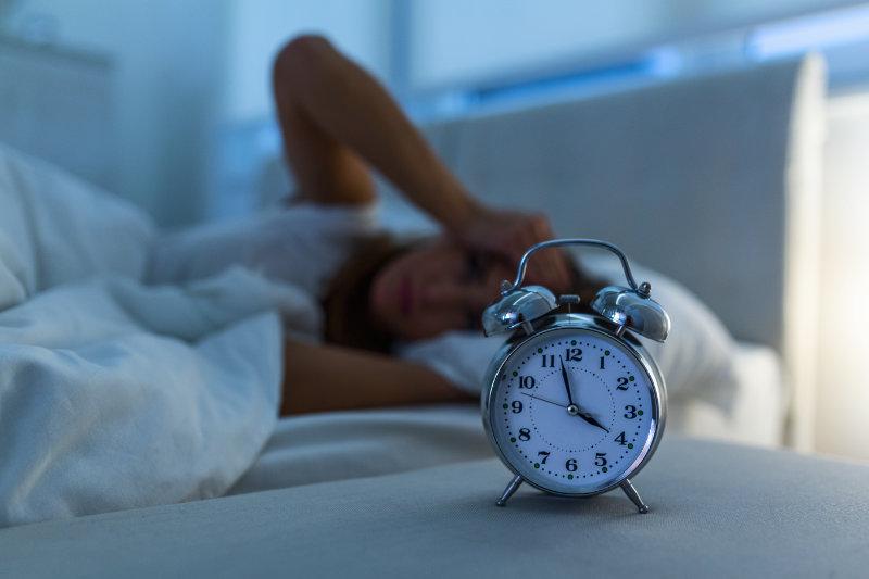 صعوبة النوم ليلا من أعراض الأرق