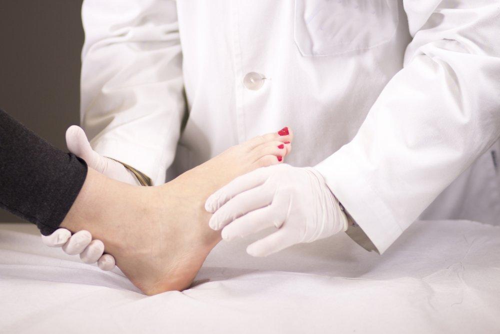 طرق تشخيص مرض شاركوت منها الفحص البدني والوظيفي