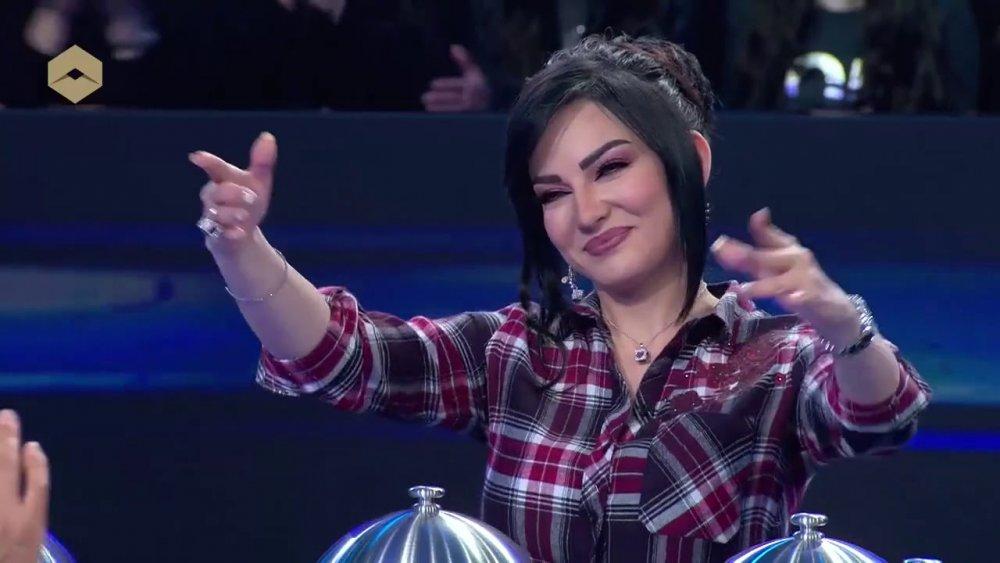فيديو صفاء سلطان تقلد وفاء الكيلاني وهيفاء ونانسي عجرم..شاهدوا رد فعل الجمهور - مجلة هي