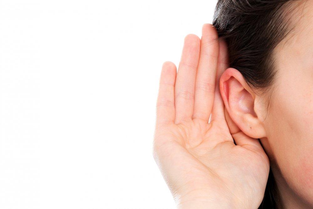 انسداد الأذن يسبب ضعف السمع